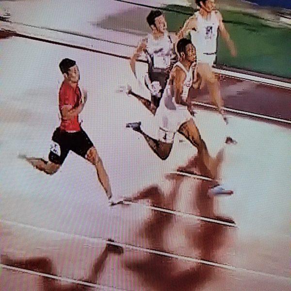 サニブラウン選手と桐生選手の共通点はひざ下の脱力。